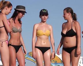 Hola me encanta disfrutar de la playa haciendo nudismo, es relajante, sexy, erotico y muy ardiente, mandarme alguna foto nudista sobre todo de chicas.