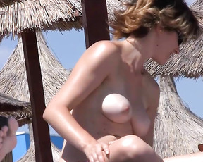 I send videos of my wife on the beach (guerrero, mexico) we hope you enjoy.